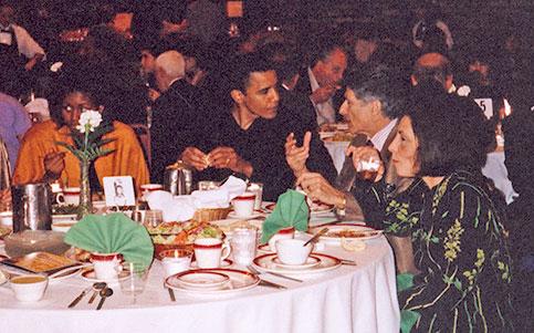 Lange her: Barack Obama und Edward W. Said beim gemeinsamen Abendessen mit Ehefrauen 1998